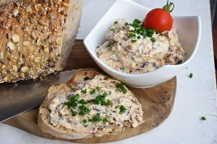 Tomaten-Olivenaufstrich-red