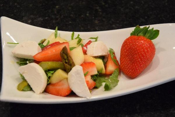 Spargel-Erdbeersalat