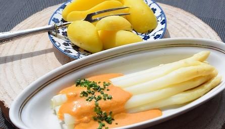 D-049-Stangenspargel-mit-Paprika-Tomatenschaum-red