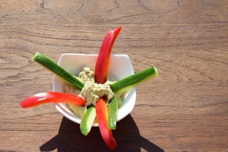 Feldsalat-Peschto-Dip-reduziert